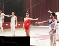 Miss Aurori y los acróbatas de Pyongyang contra el Circo del Sol