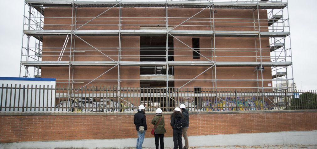 Comienza la rehabilitación del edificio de la futura Casa de las Mujeres de Hortaleza