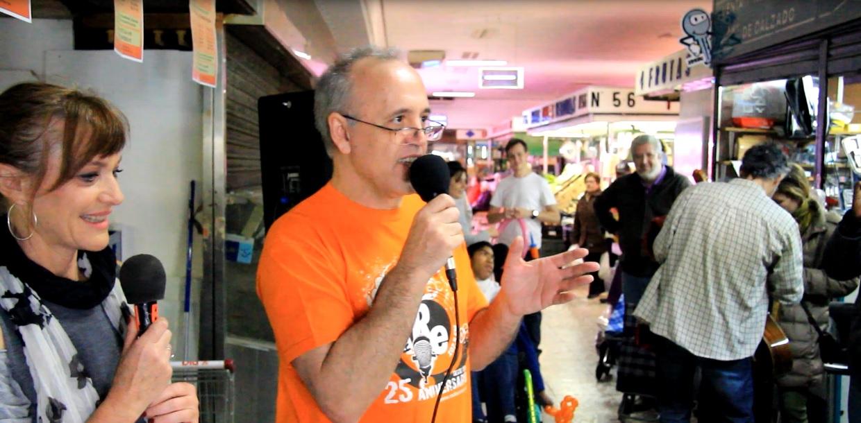 La radio sale a los mercados del barrio