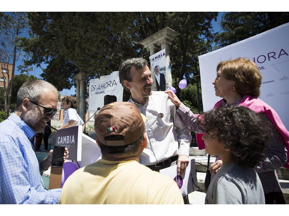 La campaña de José Manuel López hace parada en su barrio