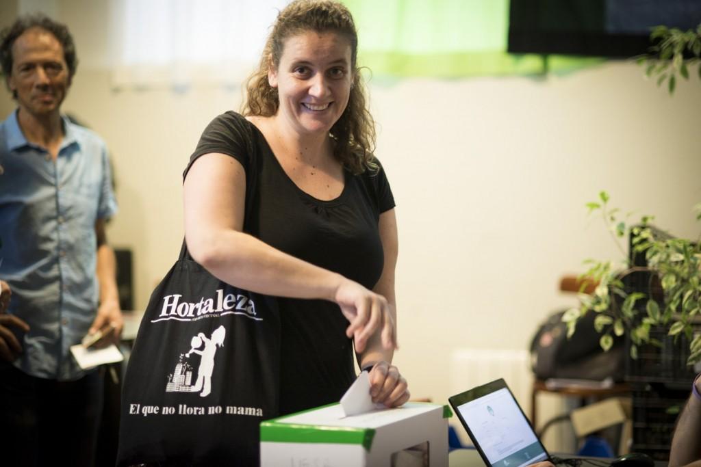 Sonia votando