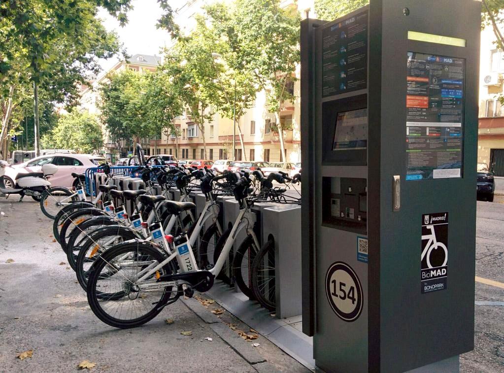 Las bicicletas de BiciMAD podrían llegar al barrio