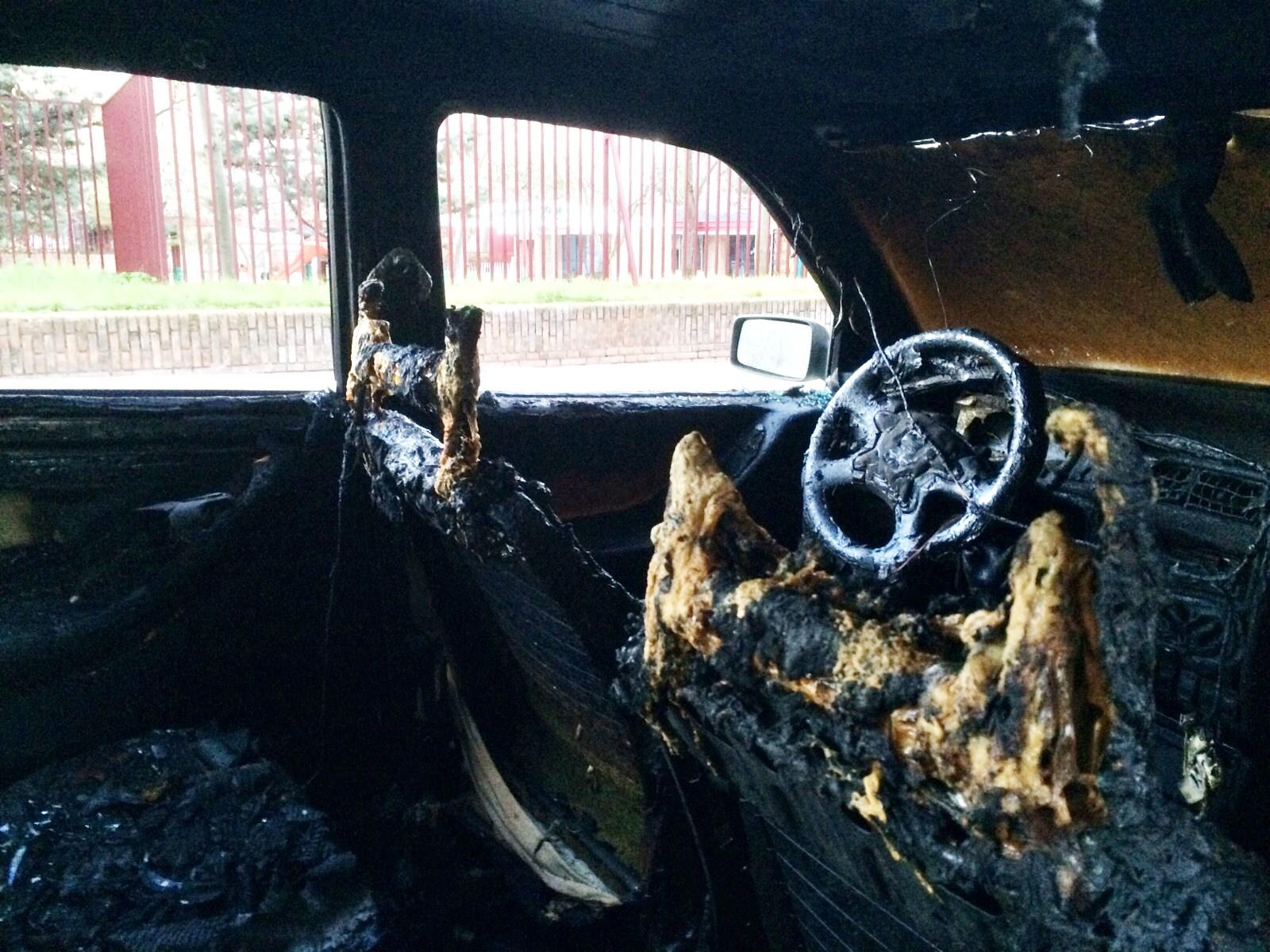 La quema de coches en Manoteras no cesa