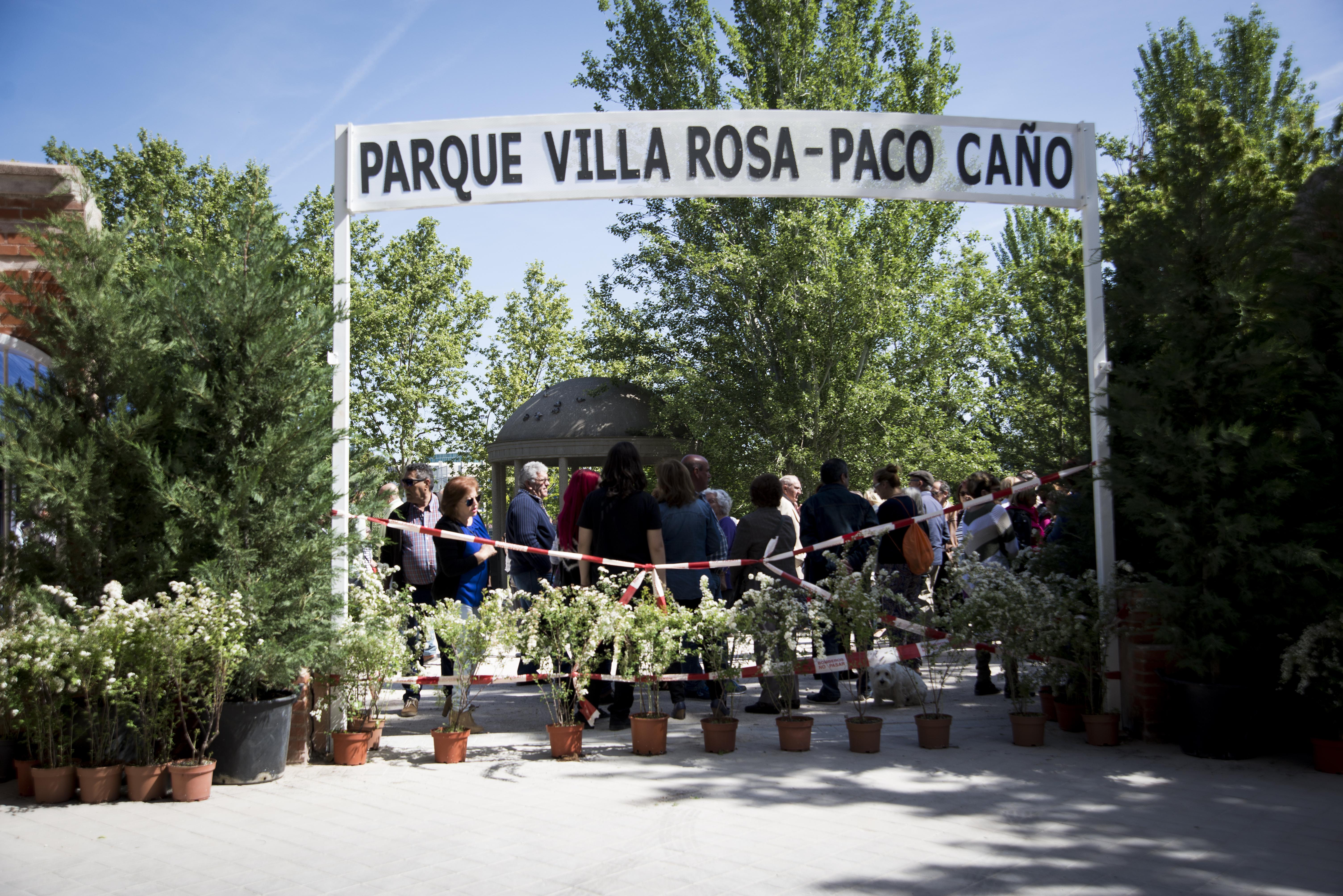 Paco Caño ya da nombre al parque Villa Rosa