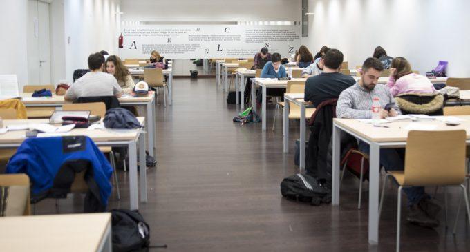 Las salas de estudio amplían su horario hasta medianoche
