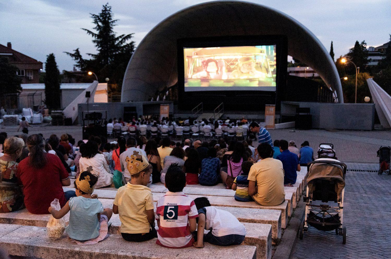 Esperado comienzo del cine de verano en Hortaleza