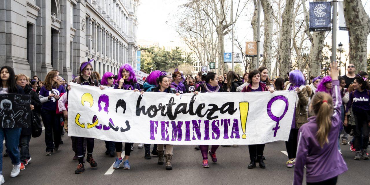 Las mujeres de Hortaleza se suman a la Cadena Feminista