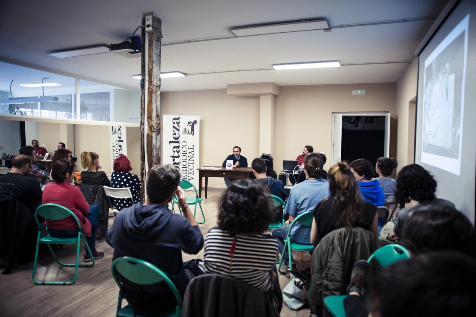 La presentación del libro estuvo organizada por Hortaleza Periódico Vecinal. SANDRA BLANCO