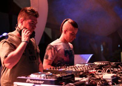 Warm up de Máxima FM con DJS de Máxima DJ Academy. DAVIZ MARTINEZ