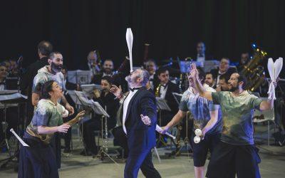 Veranos de la Villa: orquesta con malabares en el parque Pinar del Rey