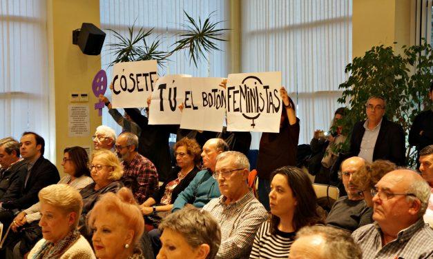 Protesta feminista en el Pleno de Hortaleza