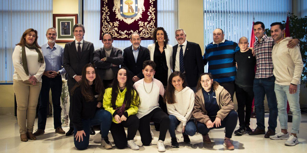 Hortaleza organiza un torneo de fútbol femenino contra la violencia de género