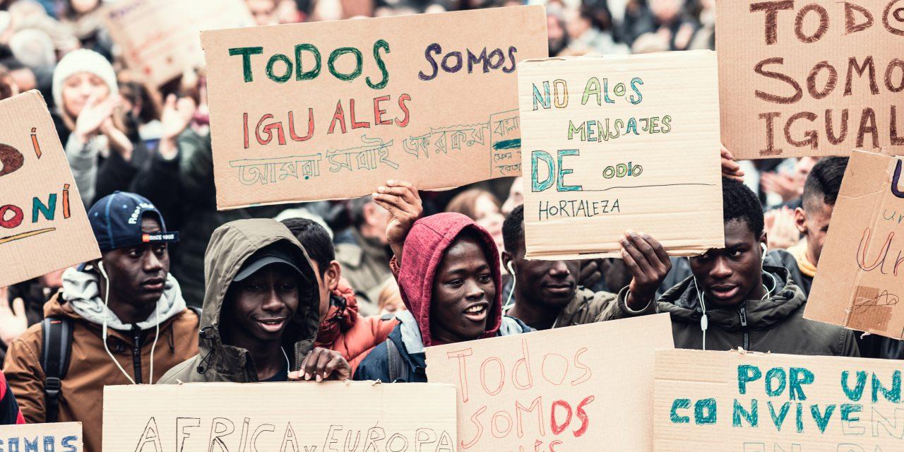 El Pleno de Hortaleza condena «las expresiones de odio» y los «ataques» contra menores