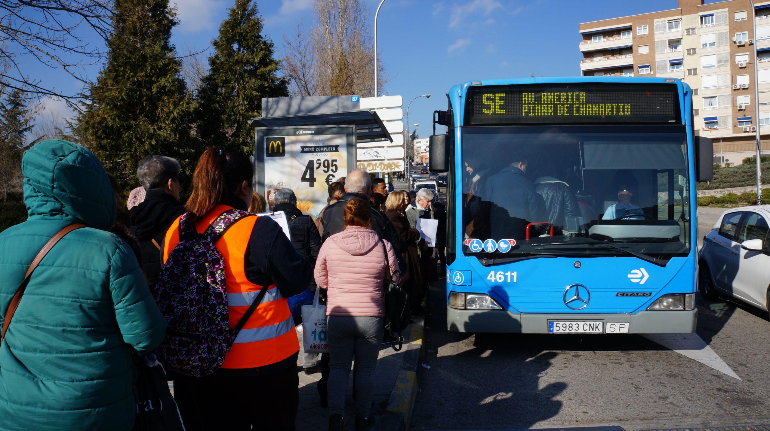 Más autobuses para aliviar el cierre de la línea 4 de Metro ...