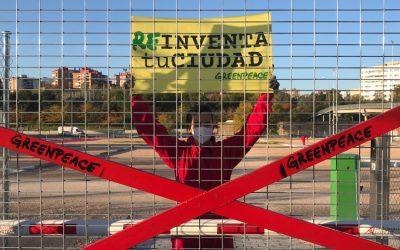 Greenpeace 'cierra' el polémico parking de Iberdrola