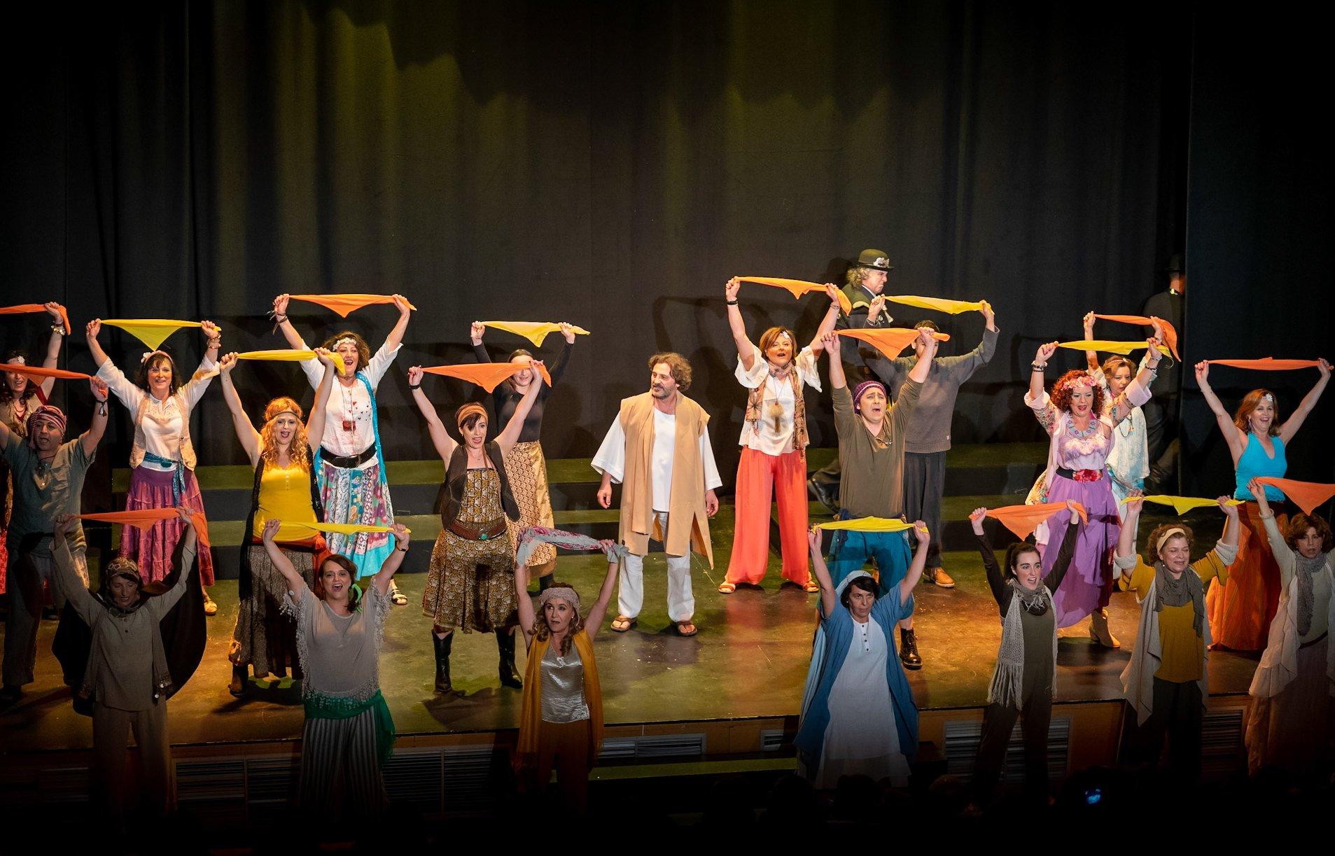 Elsábado 10 de abril a las19.00 horas,dentro delXVI Certamen de Teatro Abierto de Hortaleza, podrá disfrutarse de la representación de la obra Jesucristo Superstar