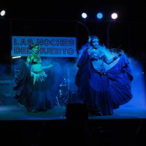 Danzas tribales y concierto de rock urbano